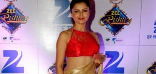 Actress Rubina Dilaik in Sleeveless Halter Neck Saree Blouse Designs Pattern Latest Photos