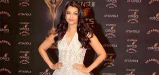 Aishwarya Rai in Stardust Award 2015 wearing Off White Floor Length Ball Gown