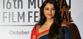 Aishwarya Rai in Blue Saree and Red Blouse Inaugurates 16th Mumbai Film Festival 2014