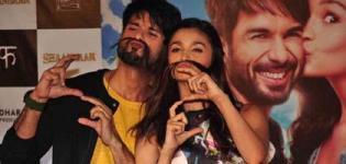 Alia Bhatt and Shahid Kapoor Promote Shaandaar 2015 Hindi Movie at Mithibai College Mumbai