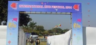 LIVE Pictures & Photos of RAJKOT Kite Festival 2014 at ISHWARIYA Park Rajkot Gujarat India