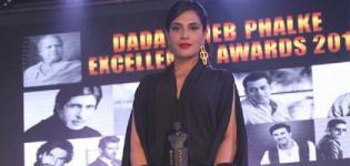 Richa Chadda at Dada Saheb Phalke Film Foundation Awards 2016 - Black Jump Suite Pics