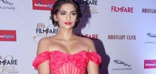 Sonam Kapoor Hot Pics in Pink Off Shoulder Gown at Filmfare Glamour and Style Awards 2015