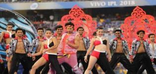 Varun Dhawan's Energetic and Amazing Performs at Launch Event of IPL 11 in 2018