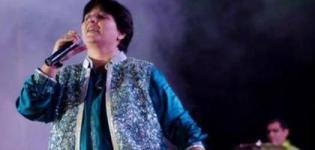 Falguni Pathak Navratri Garba Dates - Gujarati Singer Falguni Pathak Dandiya Schedule