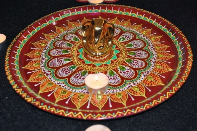 Diwali pooja thali decoration ideas deepavali laxmi puja for Aarti thali decoration with kundan
