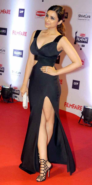 parineeti chopra in black thigh split gown at 61st filmfare awards