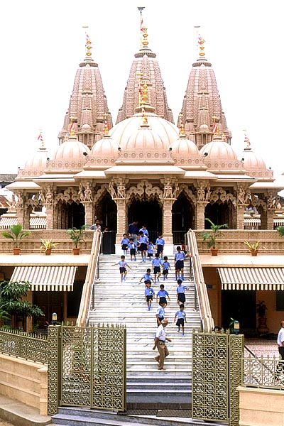 Anand India  city photos : Swaminarayan Mandir in Anand Gujarat India | Religious Places of Anand ...